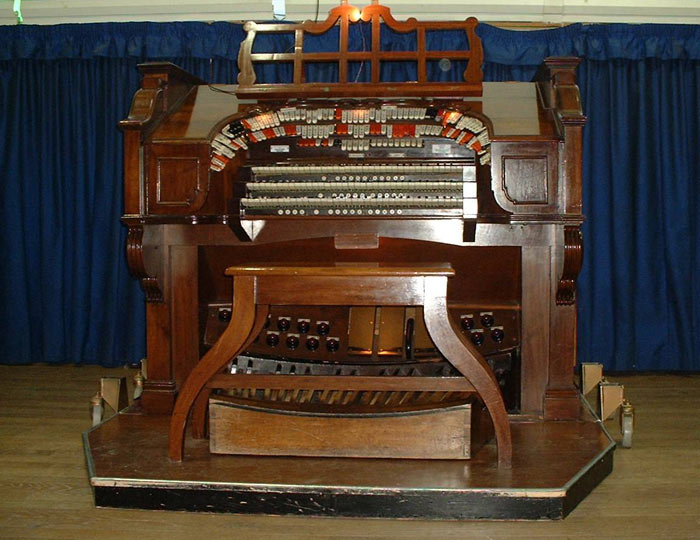 A Blast from the Past – Compton Cinema Organ
