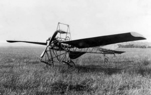 Vic's monoplane complete at Grange in 1910.