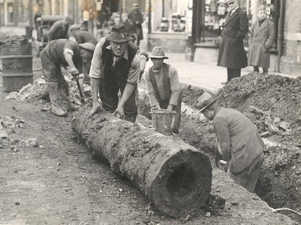 Elm water pipes being excavated in gosport high street in for What are old plumbing pipes made of